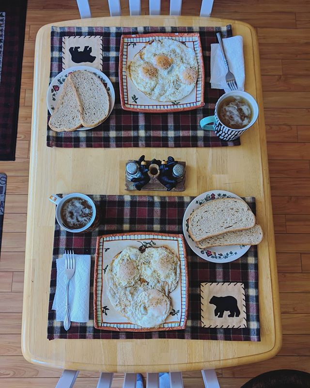 Relax with a beary tasty breakfast at the cabin, now with new placements! . Http://bearlyhomecabin.com . #airbnb #cabin #bigbear #bigbearlake #mountains #forest #mountains #vacation #relax #food