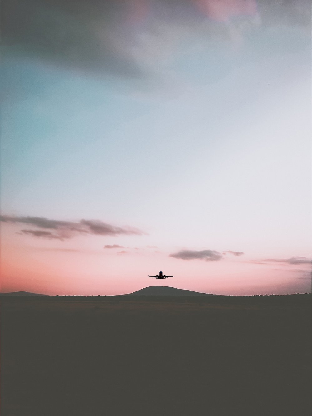Photo by Shalom Mwenesi on Unsplash. Jetsetting