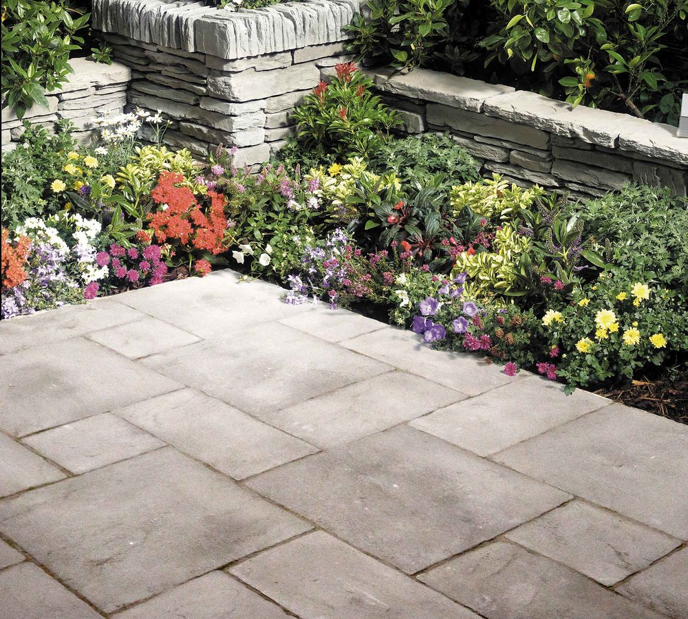 - 60 Series Patio Packs in Charcoal Random pattern6.30m² CoveragePack contains10 No. 600 x 600mm10 No. 600 x 300mm10 No. 300 x 300mm