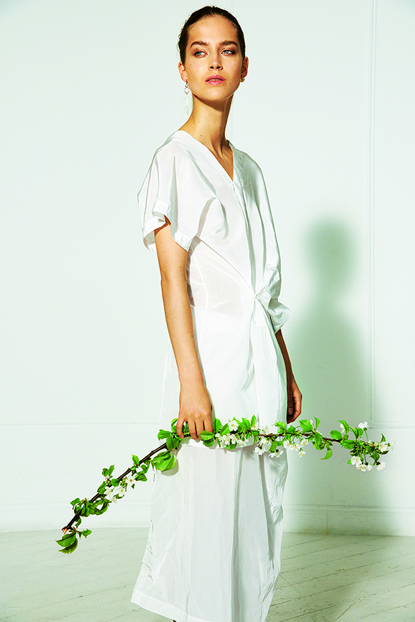 Sunday+Telegraph+Magazine+Olivia+Frolich+Cover+4.jpg