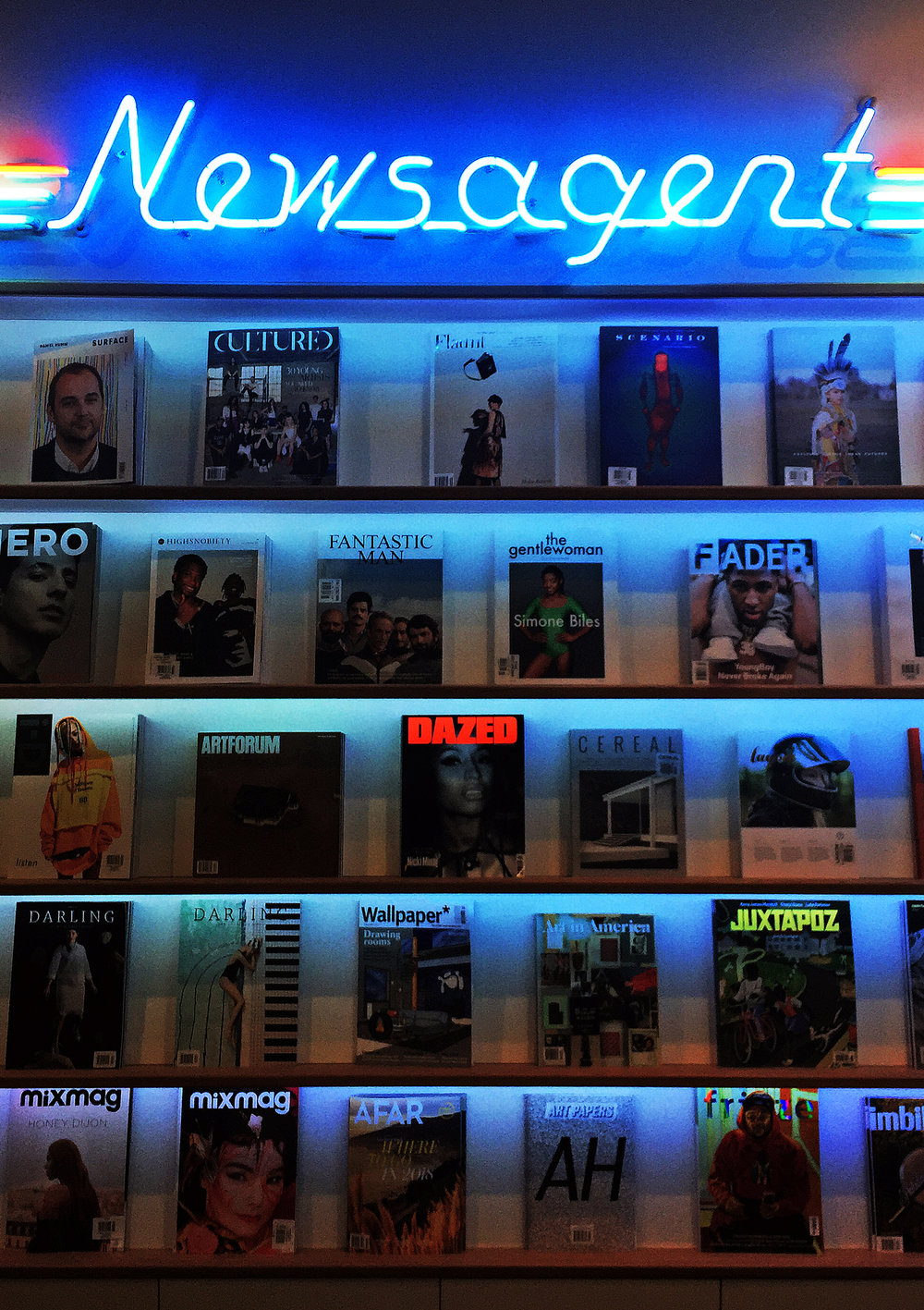 QQ_Shelf_Neon2.jpg