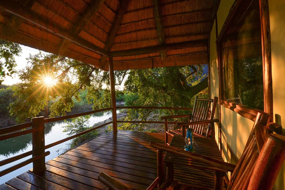 1-klaserie-river-safari-lodge-view-deck.jpg