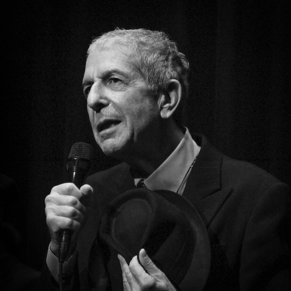 Leonard_Cohen_concert_of_the_2008_tour-wiKI423.jpg