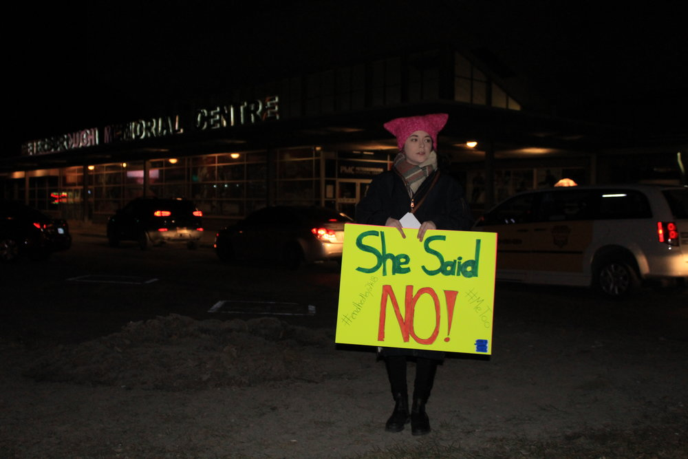 Shawna Blackwood protesting outside of the Memorial Centre in Peterborough, Ont. (Photo by Benjamin Hargreaves/CanCulture)