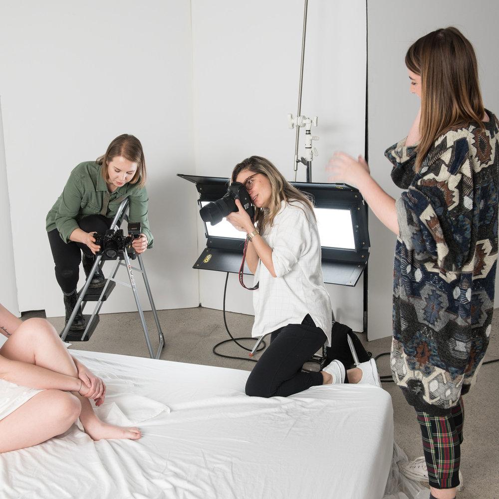 Bettina Bogar (center) and Katherine Murdick (right) on set of the  skinwork  photo shoot .  ( skinwork /Bettina Bogar)
