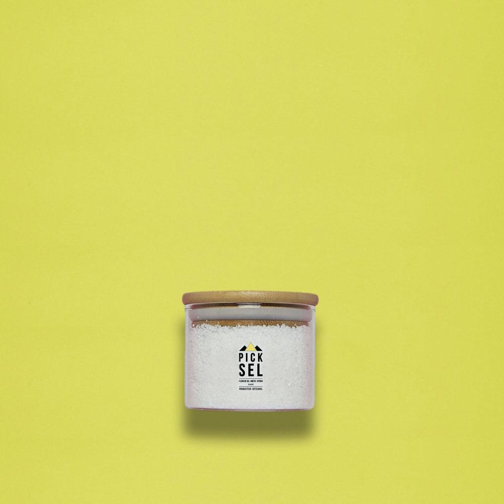 picksel-producteurartisanal-iledere-lacouarde-pot-verre-140g-fleurdesel-aromatise-aneth-citron-poisson-cuisine-delamer-salade-avocat.jpg