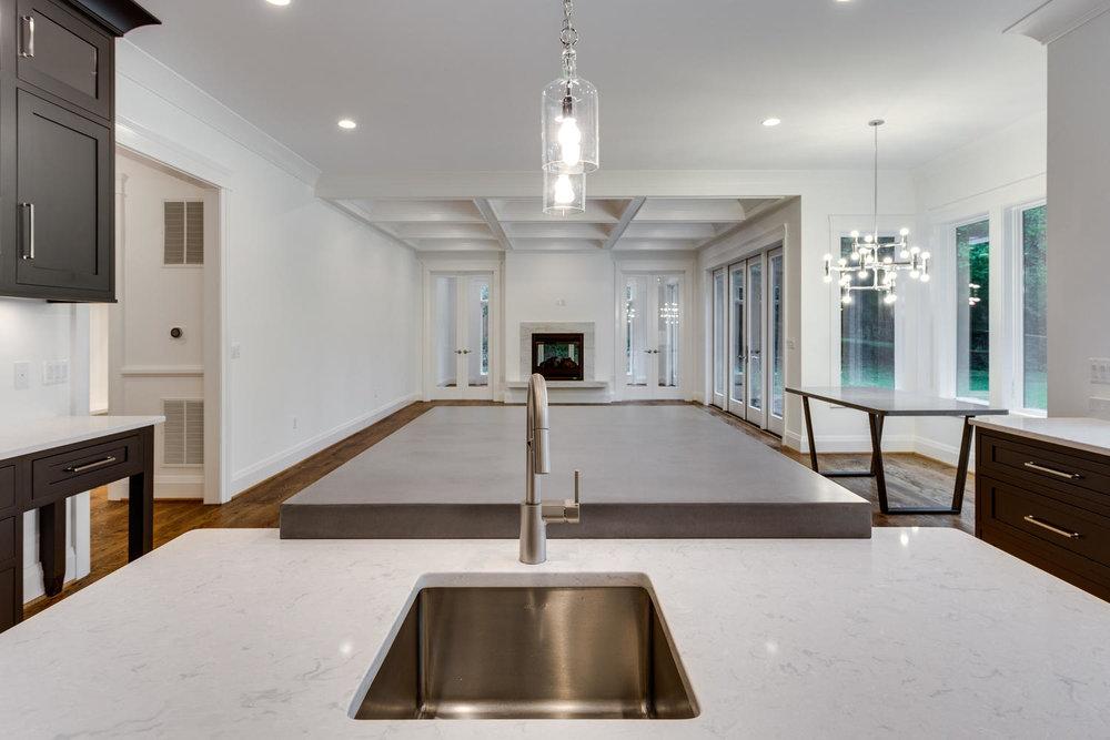 3162 N Pollard St Arlington VA-large-020-4-Kitchen-1500x1000-72dpi.jpg