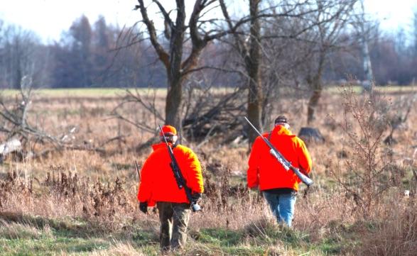 Le 6e Salon National Chasse Pêche Plein Air de Rimouski se devait de faire une place aux représentants du SIAF pour rencontrer les visiteurs, chasseurs sportifs et collectionneurs d'armes à feu, afin de les informer sur la nouvelle Loi sur l'immatriculation des armes à feu au Québec.