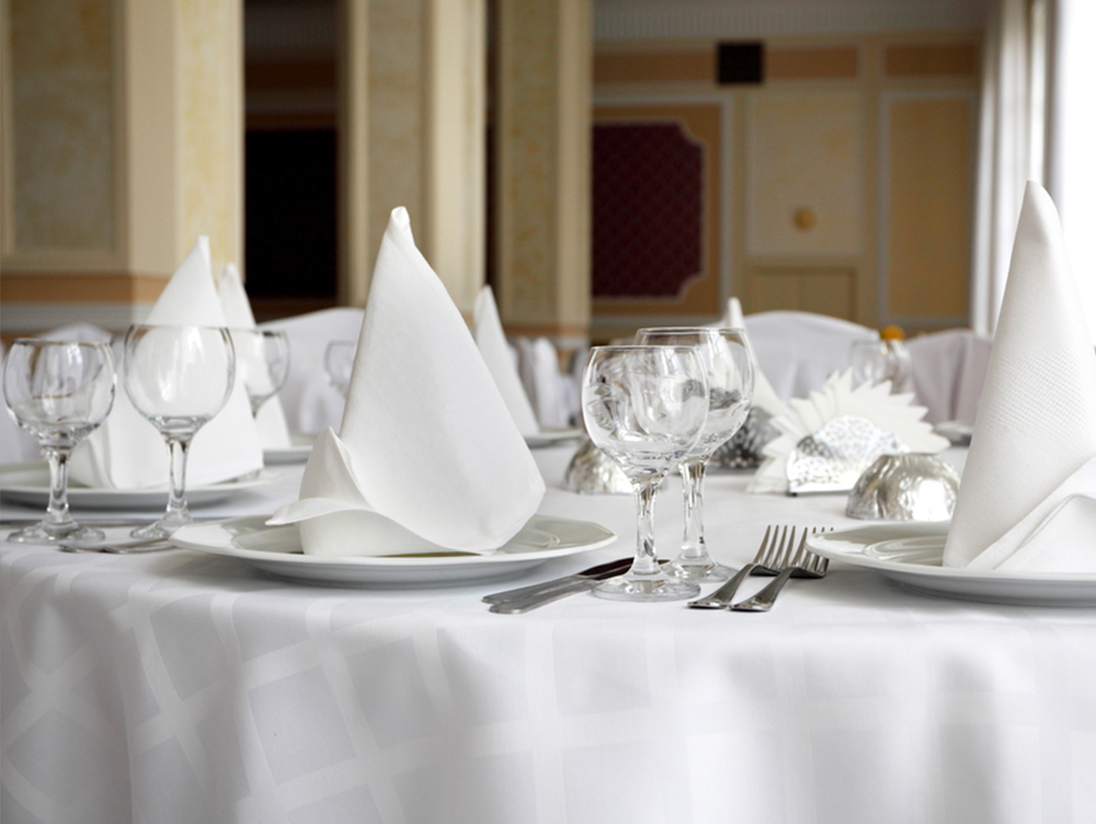 Hire - ServiceShort and long term hire. Don't worry about buying out right, our hire service means you can carry on your service without interruptions.K Laundry offer a high quality range of smart chefs wear, kitchen cloths, crisp white bed linen, fluffy towels and a range of elegant white and coloured table linen as well as work wear for the messier jobs.+ GET A QUOTE