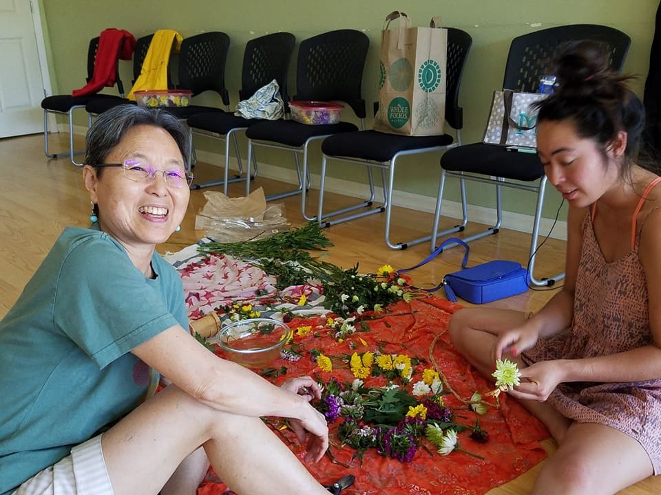 june lei making.jpg