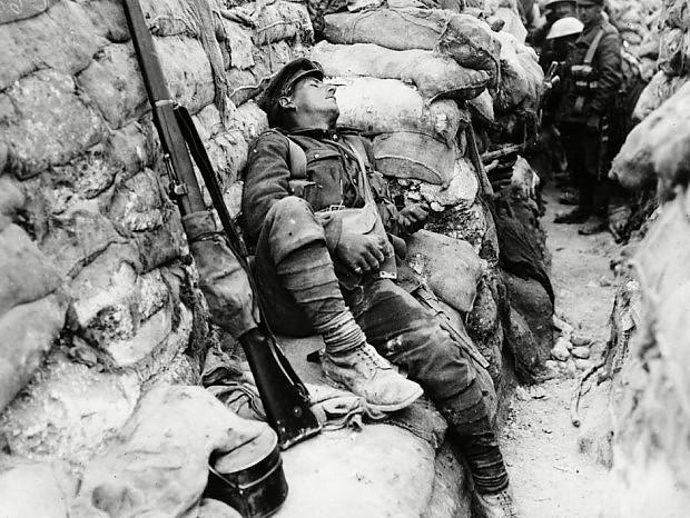 soldato-francese-in-trincea-prima-guerra-mondiale.jpg