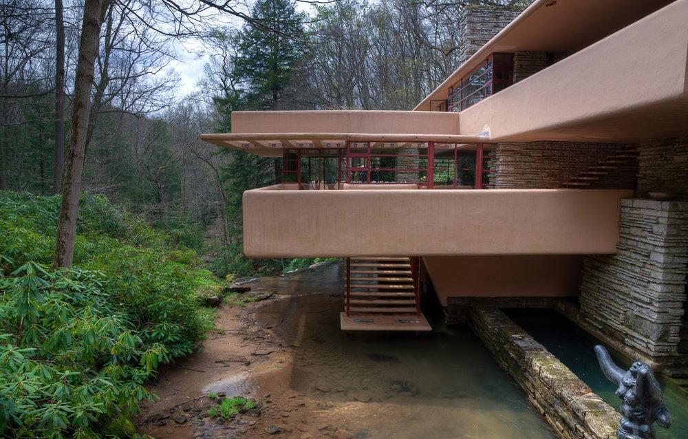 vista_fallingwater-house_frank-lloyd-wright-1.jpg