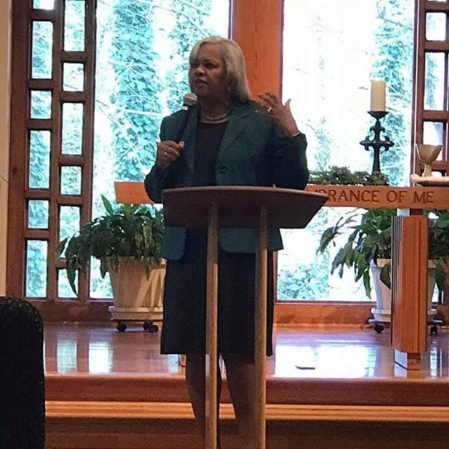 Rev. Catherine Gilliard at Bridge to Grace Covenant Church Roswell OR . . . . #fourmore #fourmorewomeninthepulpit #covchurch #womenpreachers