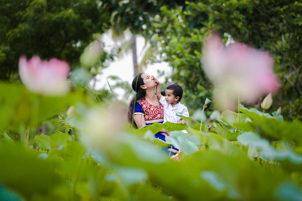 22102014-Sahas-Diwali-Celebs-2014-108.jpg