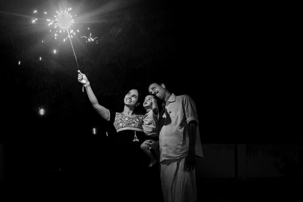 22102014-Sahas-Diwali-Celebs-2014-185.jpg