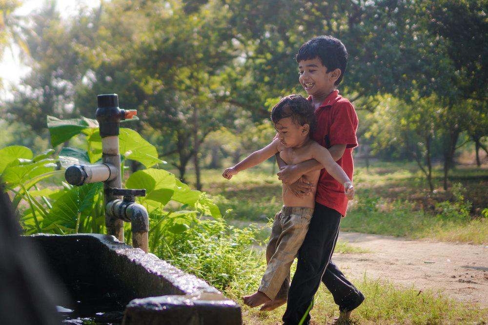 23122017-Boys-Playing-Water-Tank-327.jpg