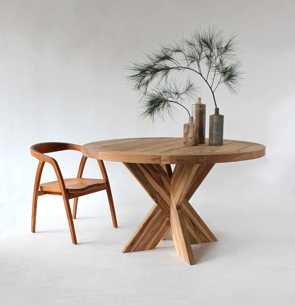 Lio_teak_table-kopi 2.jpg