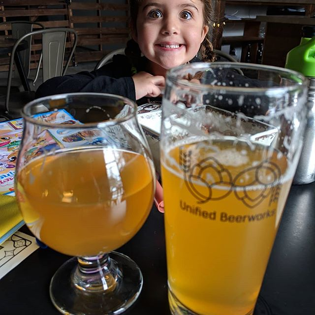 Cheersing with the family @unifiedbeerworks - future home of some of my BBQ flavors this summer. Stay tuned! . . . . #craftbeer #foodtruck #beer #cheers