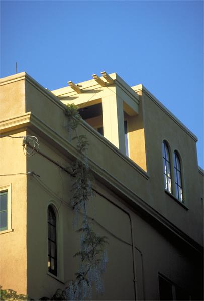 lg_peterson_balconydetail.jpg