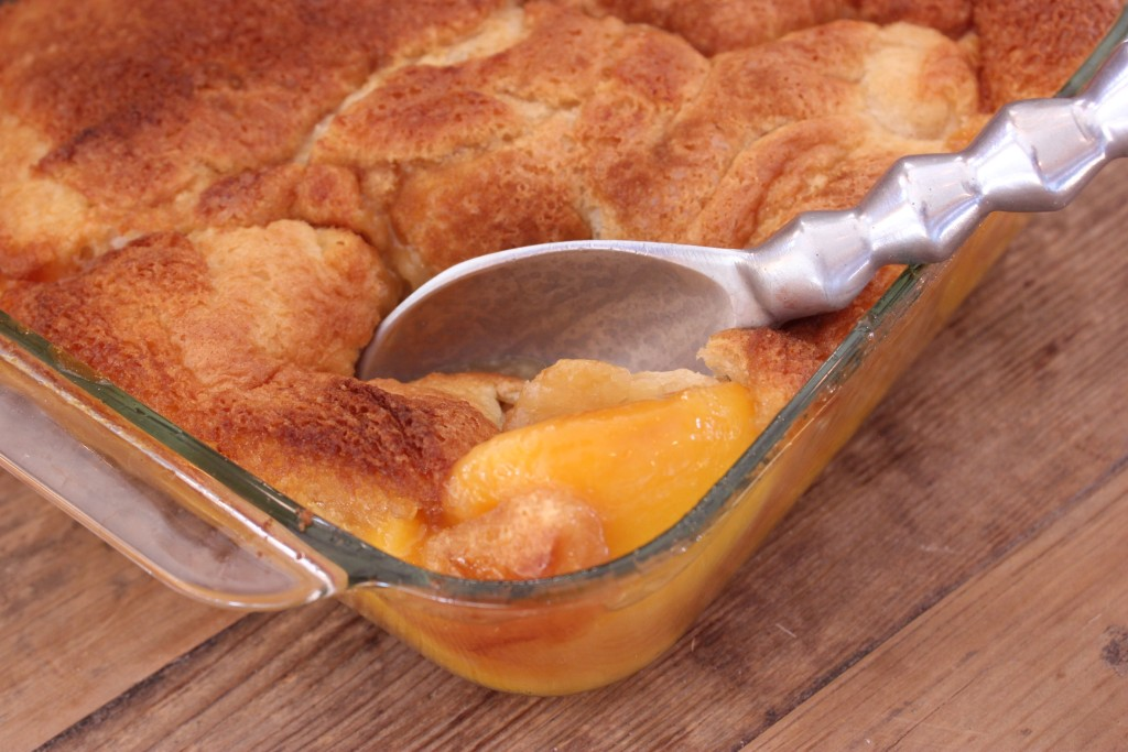 PEACH COBBLER- Who doesn't love hot cobbler with ice cream! thefoodnanny.com