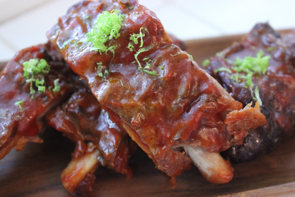 SLOW-COOKER BARBECUED RIBS- these are tasty, quick and easy ribs in the slow-cooker @thefoodnanny.com
