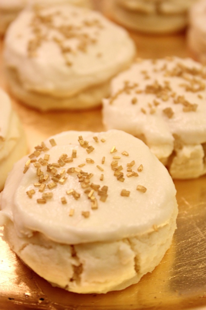 MELTWAY COOKIES- We really crave these around the holidays! thefoodnanny.com