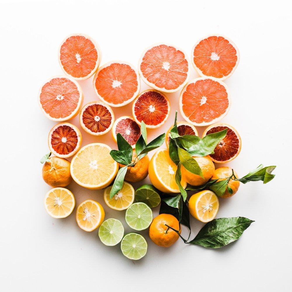 RAINBOW CITRUS WATER - Slice orange, lemon, grapefruit and lime. Enjoy this citrus bomb!