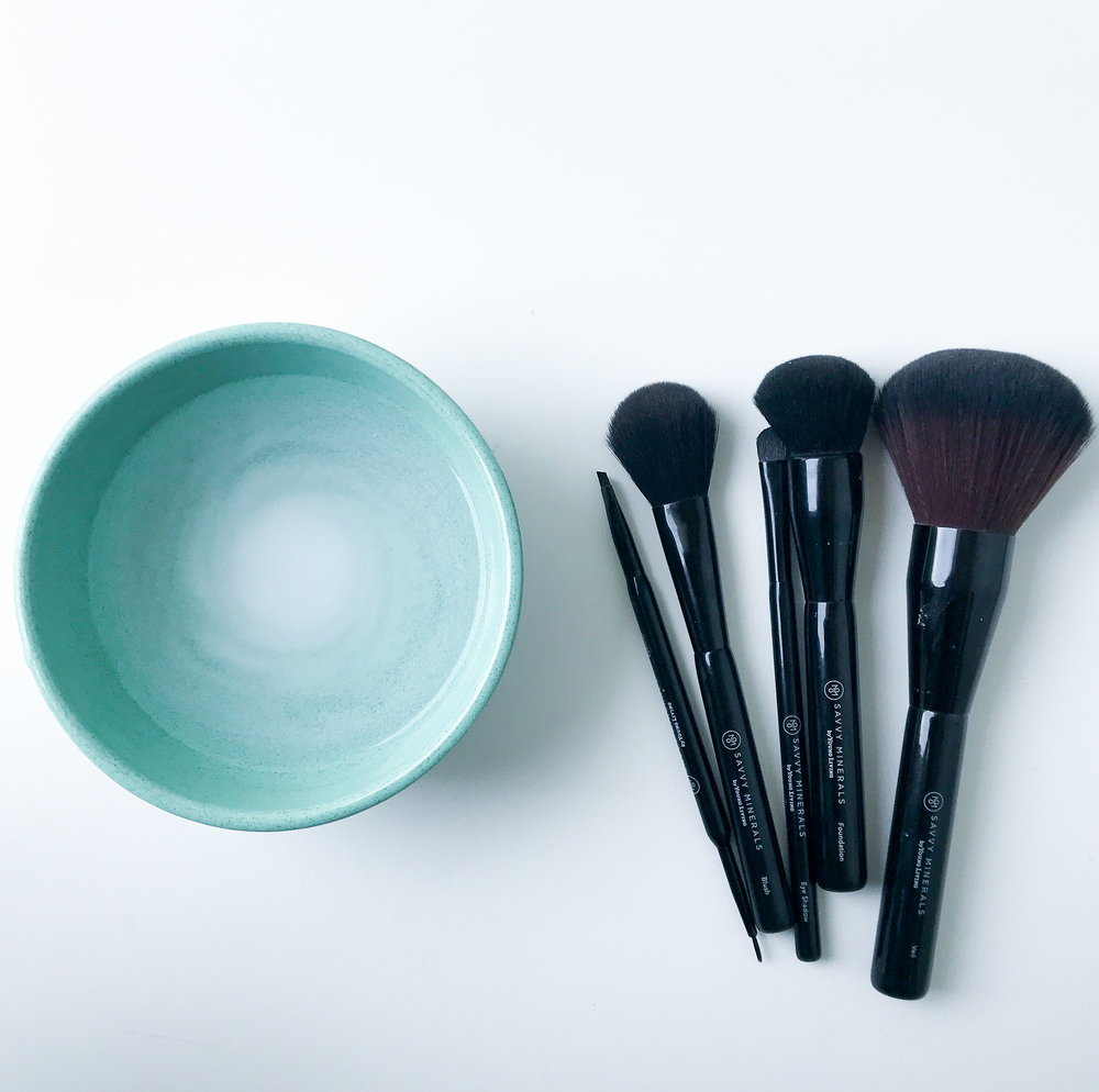 1.Makeup Brush Cleaner. - Did you know that 72% of women neglect to regularly wash their makeup brushes and sponges? Myself included. Washing your brushes will prevent dirt built up and bacteria growth, known to cause outbreaks. A simple recipe to clean your brushes is to simply fill a small bowl with warm water and a couple teaspoons of soda. Simply add one brush at a time to the bowl and swirl it around. You will be able to see the makeup coming off in the water. Let the brushes soak for 15 minutes, rinse & air-dry before using.