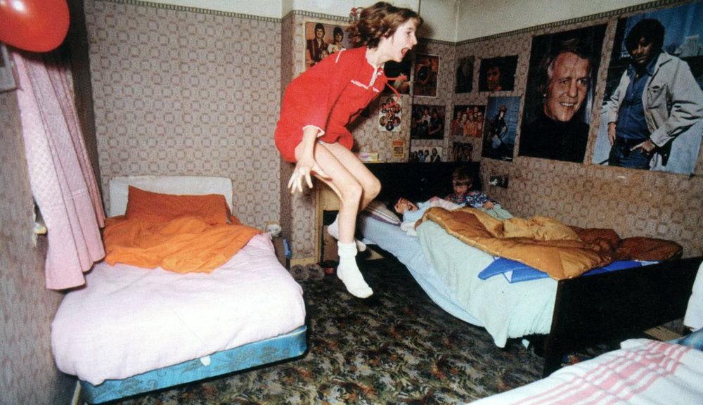 enfield-poltergeist-janet-jumping.jpg