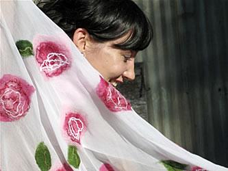 rosette-shawl-white-detail.jpg
