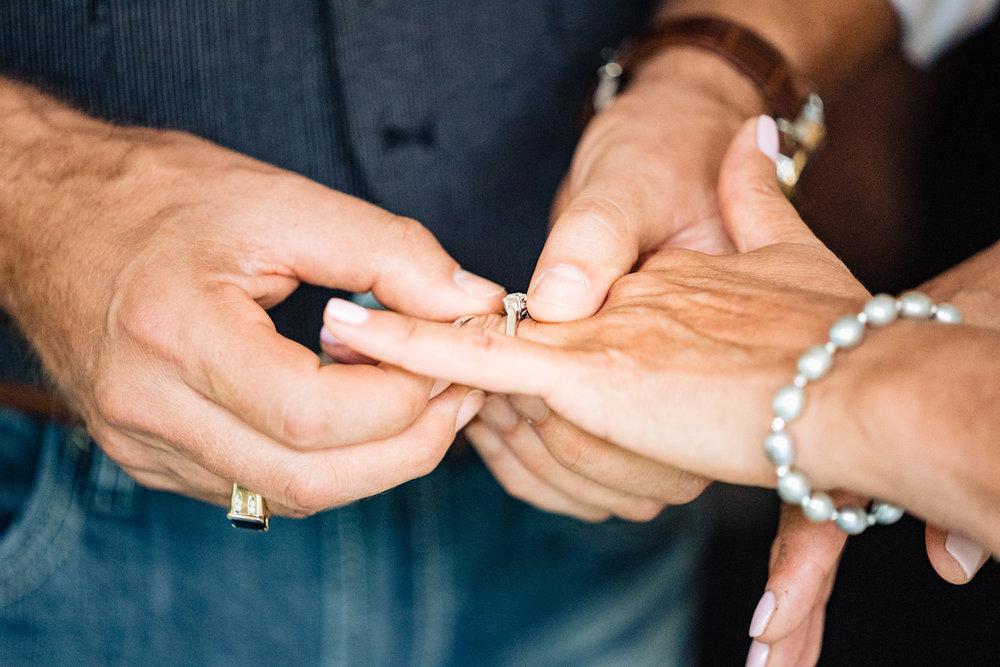 Halifax-wedding-photography-foxandfellow-nova-scotia-backyard-summer-canada-32.jpg