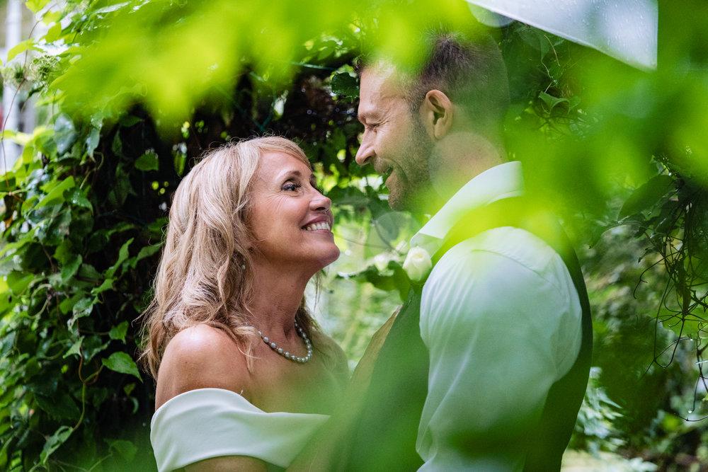 Halifax-wedding-photography-foxandfellow-nova-scotia-backyard-summer-canada-56.jpg