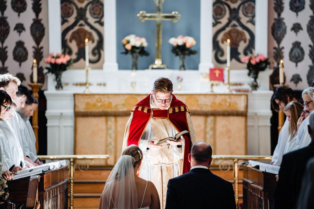 Halifax-wedding-citadelhill-venue-photography-fall-photographers-novascotia-canada-ottawa (47 of 100).jpg