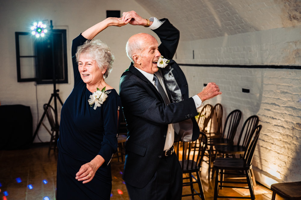 Halifax-wedding-citadelhill-venue-photography-fall-photographers-novascotia-canada-ottawa (95 of 100).jpg