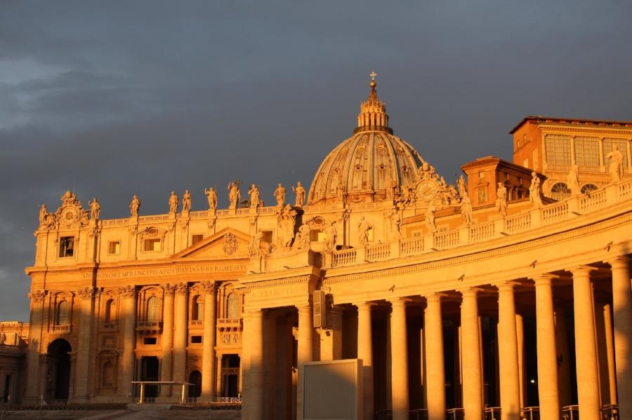 "Inside the ""embrace"" of St. Peter's (Photo: J. Gress)"
