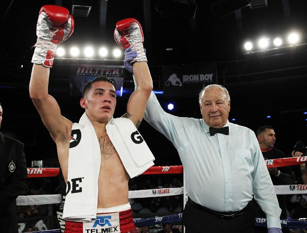 Oscar-Valdez-post-Sotelo-mikey-williams-toprank 2.jpg