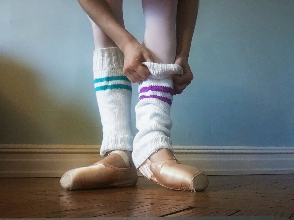bis·cuit'biskit/noun - 1. a small, typically round cake of bread leavened with baking powder, baking soda, or sometimes yeast.2. a lovingly derogatory slang term used by dancers to describe their feet.