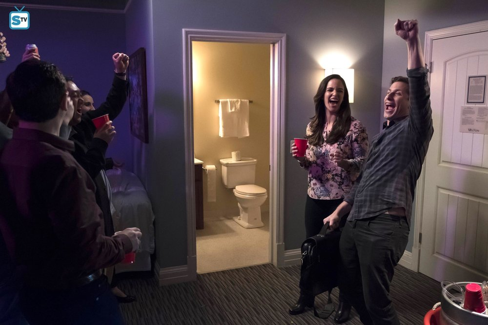"Jake, Amy, and the rest of the Nine-Nine throw a party in ""Cop Con"""