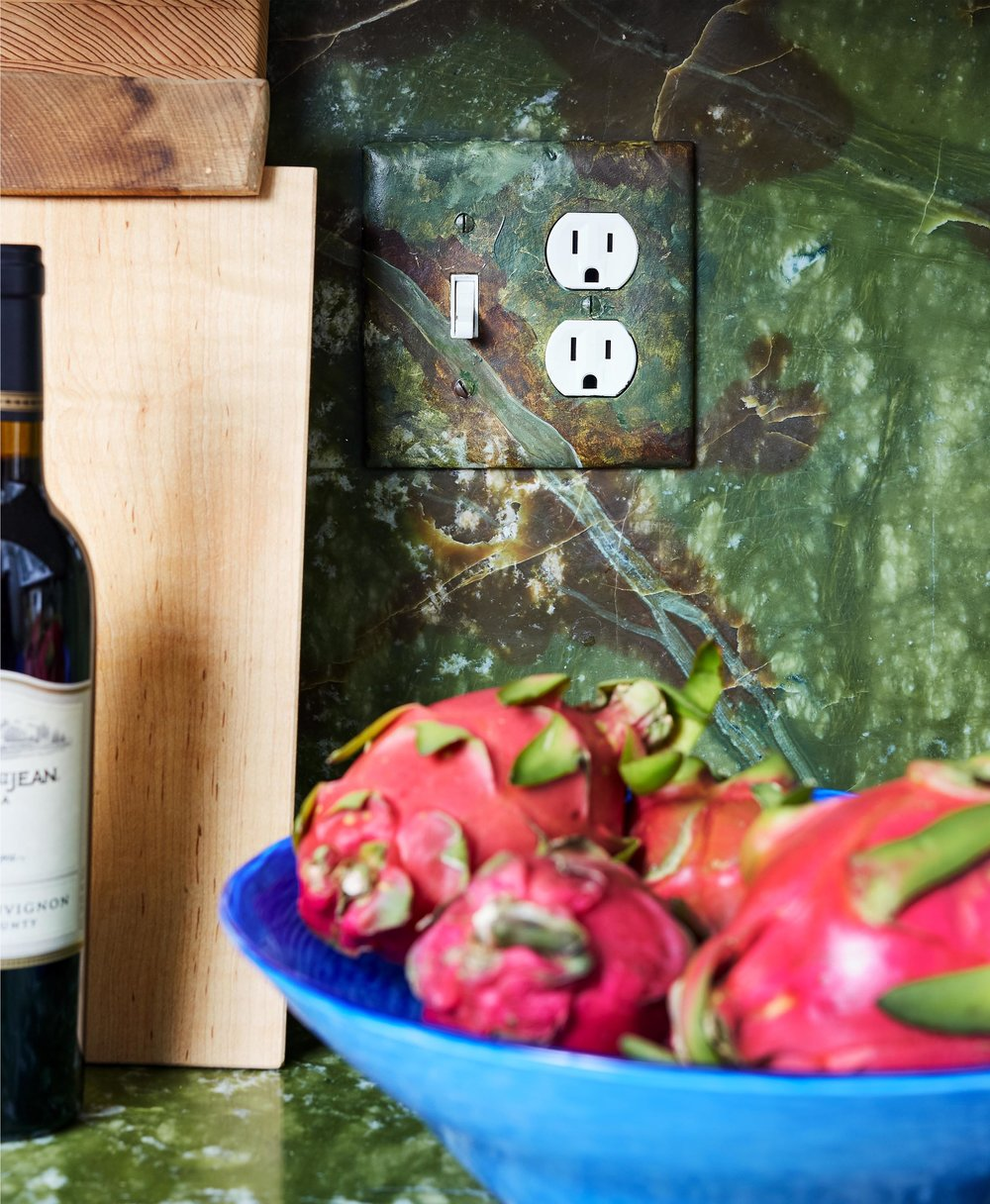 6a-Modern-Contemporary-Kitchen-Top-Decorator-Best-Interior-Designers-Boston-South-End-Back-Bay-Seaport-Dane-Austin-Design.jpg