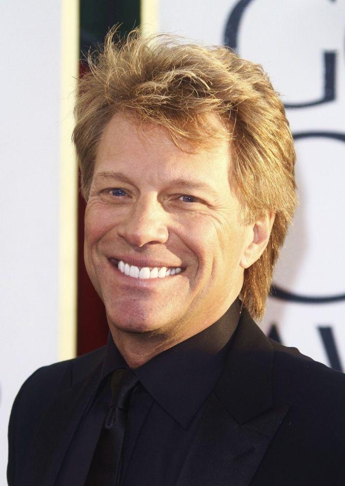 Bon Jovi's teeth are all 3s