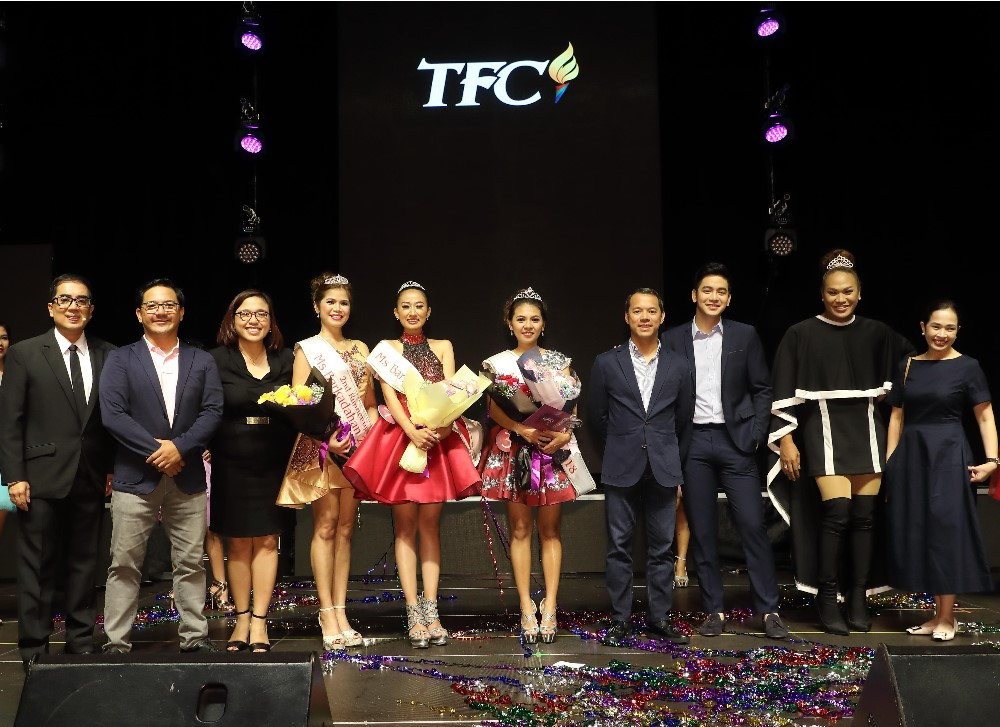 """From left, It is one colorful night for the overseas Filipinos in Hong Kong at the recent """"Ms. Barkadahan 2018"""" pageant with Alvin Dayrit from SmarTone and one of the hosts that night; ABS-CBN Global Head of Events Ricky Resurreccion; ABS-CBN Global Asia Pacific Regional Marketing Head and Country Manager for South Asia Maribel Hernaez; Ms. Barkadahan 2018 2nd-runner-up Rosie Talimongan; Ms. Barkadahan 2018 title-holder Melodie Duag; Ms. Barkadahan 2018 1st-runner-up and first ever Bb. Kapamilya Barkadahan 2018 awardee GelbeyJoy Genosas; ABS-CBN Chairman Mark Lopez; Kapamilya artists Joshua Garcia and Negi; and Digital Partnership & Integration Head Connie Lopez."""