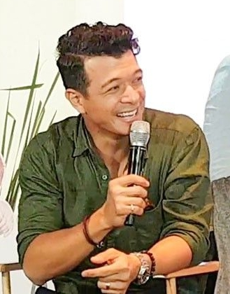 Jericho Rosales headlines  Halik  cast