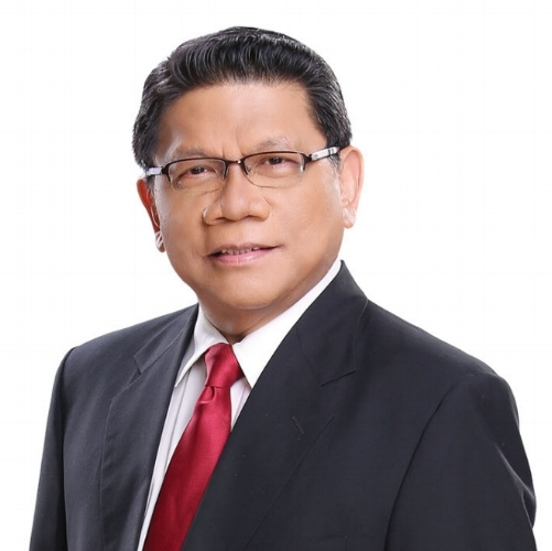 GMA News' Mike Enriquez was again recognized as the Best AM Radio Anchor at the 2018 COMGUILD Media Awards.