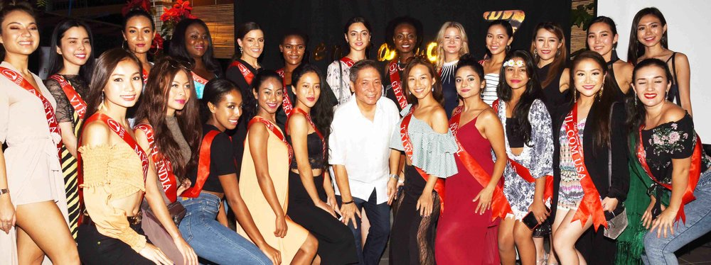 Zoomanity Group CEO Robert L. Yupangco with the visisiting candidates of Miss TourismQueen worldwide 2018 at UnliCity.