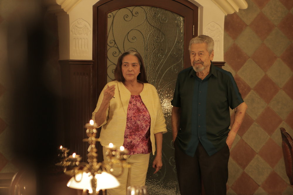 Lisang (Gina Pareno) and Manolo (Eddie Garcia) meet in  Hintayan ng Langit