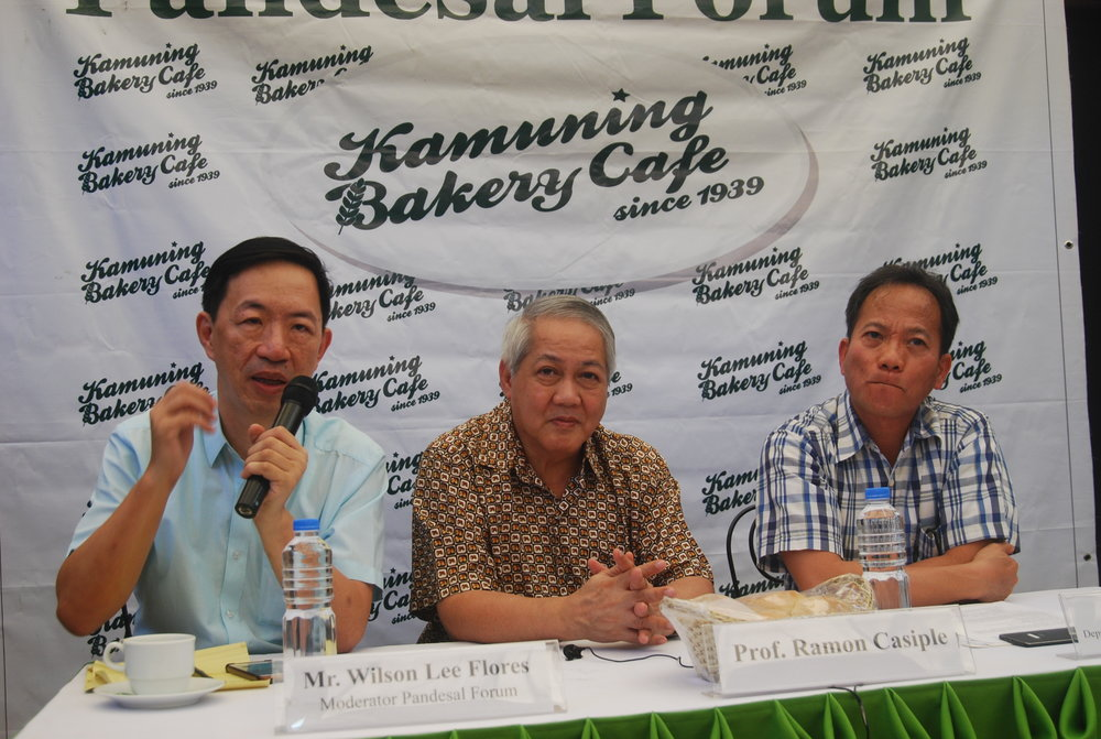 Kamuning Bakery owner and PhilStar columnist Wilson Lee Flores moderates Pandesal Forum with guests Prof. Ramon Casiple and Cong. Anthony Bravo