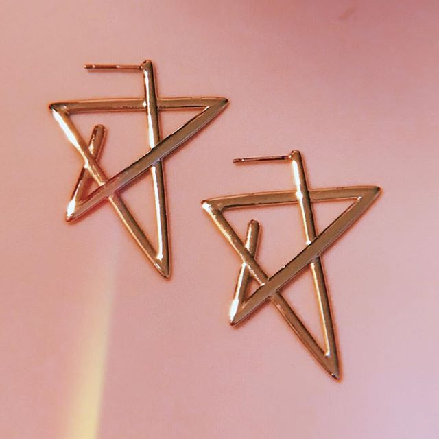 "Starlet Earring | an idea conceived in the same vein as the ""S"" and the little heart doodles drawn out of sheer boredom on any given notebook. Naturally my mind finds a way to make it jewelry and... #astarisborn • • • • • #earrings #handmade #jewelry #gold #valentines #fashion #drawing #accessories #pink #shootingstar #shine #lucky #love #hoops #early2000s #idmagazine #papermagaxine #complex #hypebeast #love #instagood #styleblogger  #process #sketches #blackhistorymonth"