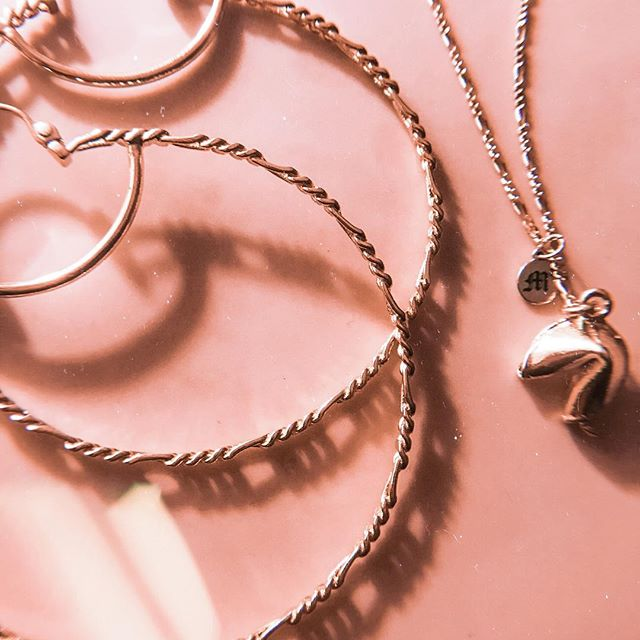Figaros & Good Fortune. • • • • • #necklaces #hoops #accesories #chains #gold #jewelry #blackgirlmagic #hypebae #fashion #handmade #jewelrydesigner #fortunecookies #blackhistorymonth #fashionblogger #details #photooftheday #styleblogger