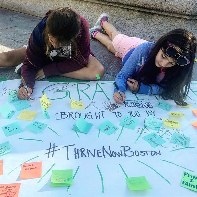#gratituesday is going on at the Boston Common!!! Run here! @thrivenowboston #bostonevent #wewow . . . @halfbakedgoodie @lisabrownlifecoach @pamgarramone @francesca_lo_ @marthaefagancoaching @uhjdebbielyn @zaneva @anne.s.lafleur @anneplaisance