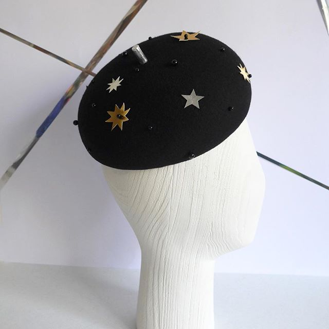 ✨Friday feeling✨  This is FAYE named for my fave beret wearer and all round inspiration Faye Dunaway. Hand blocked felt beret with faux leather stars and beading - so chic. ⠀⠀ Now in stock and ready to ship from our online store! . . .  #winterhat #felthat #warmhat #autumn #winter #handmade #millinery #chic #beret #faye #lizziemcquade